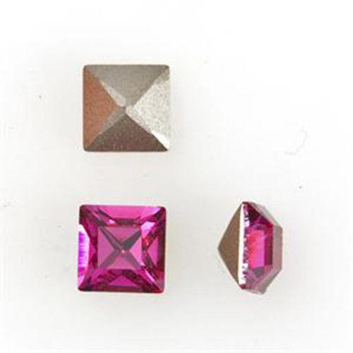Swarovski crystals 4mm Square Pointed Back - 10pcs